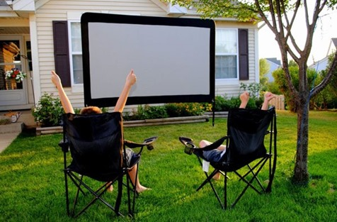 Birthday-Party-Ideas-for-Teens-Outdoor movie