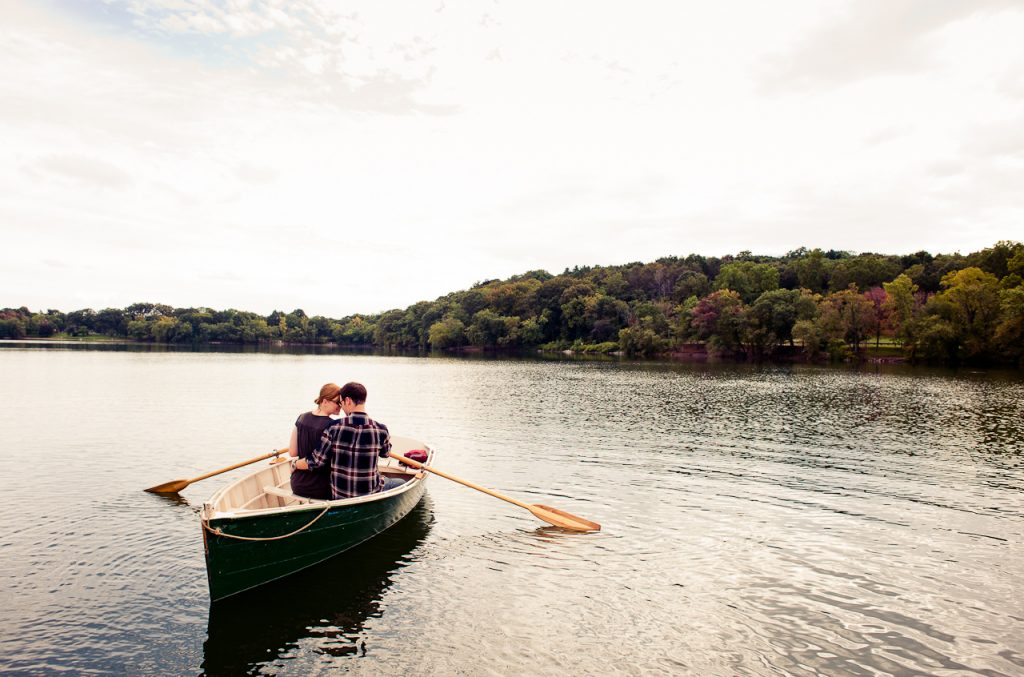Birthday-Surprises-for-Her-Row-boat-ride
