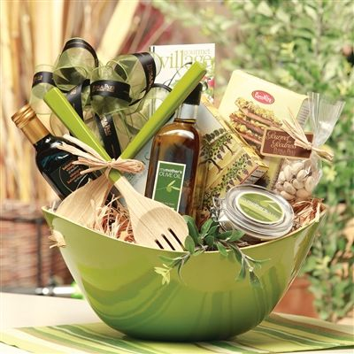 29 most unique birthday surprises for husband birthday inspire plan a gift basket for him solutioingenieria Images