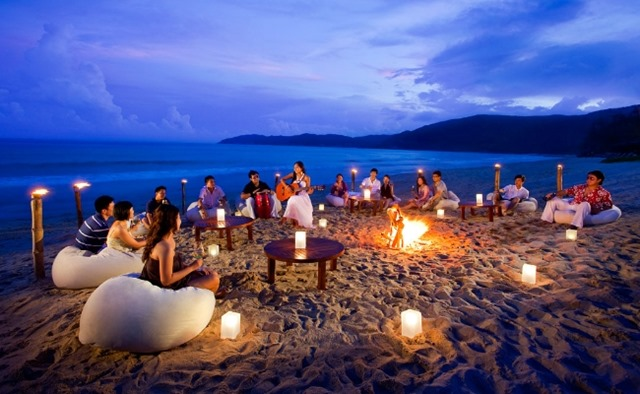 The Beach Is One Place Which Everyone Old And Young Enjoy A Lot Therefore This Birthday Invites All Your Friends To Rocking Party Right On