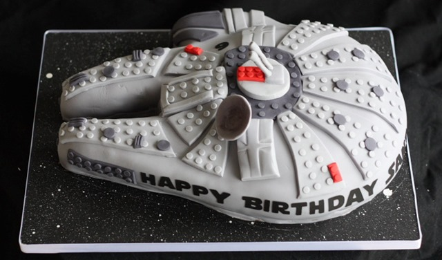 Millenium Falcon Cake