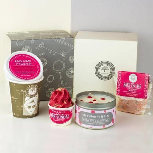 Strawberries And Cream Pamper Pack