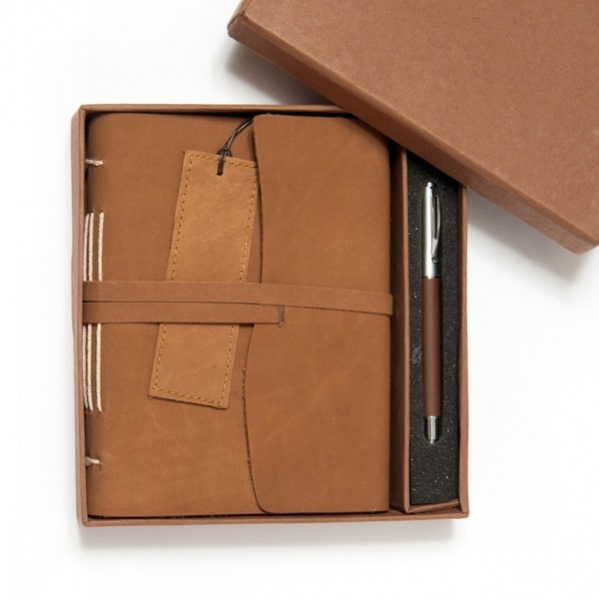 Engraved Handmade Leather Journal Gift Set
