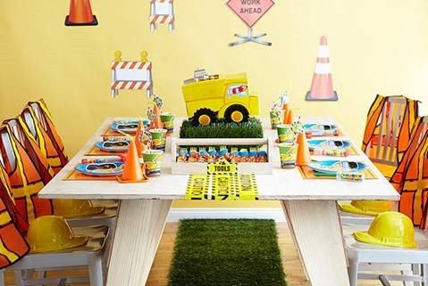 Construction Pals Birthday Bash Table Themes