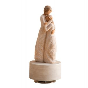 For All The Daughters This Is Best Gift To Get Your Mom Her Birthday A Beautifully Designed Sculpture Showing Bonding Of Mother And