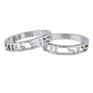 gifts-for-sister-The Sis Ring