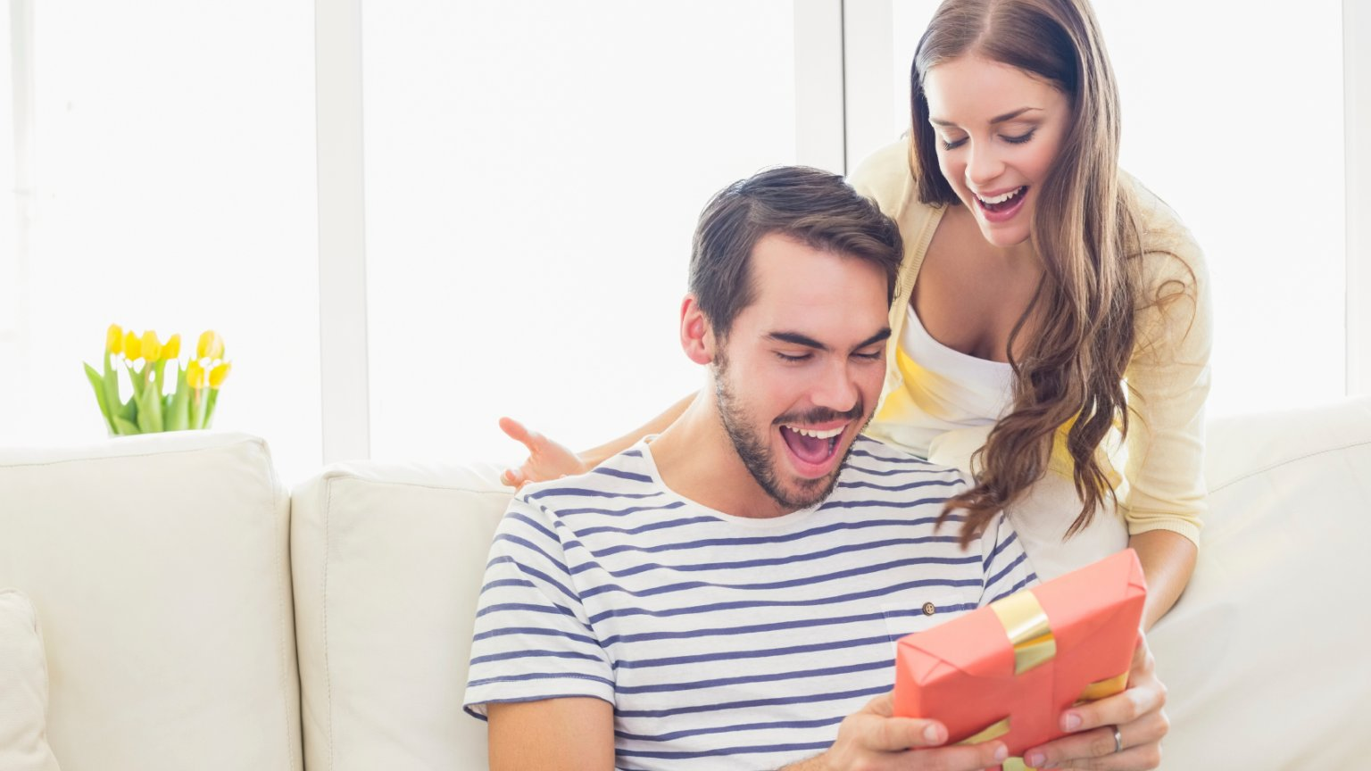 35 Astonishing Birthday Gift Ideas for Boyfriend Who Has Everything