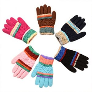 Winter knit gloves